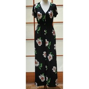 LOVE STITCH Oriella Floral Maxi Dress (M)